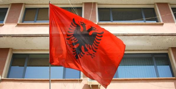 Arnavutluk Siyasetini Anlama Kılavuzu
