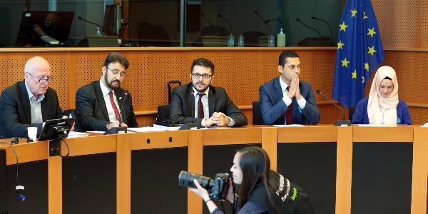 '2015 Avrupa İslamofobi Raporu' AP'de Tanıtıldı